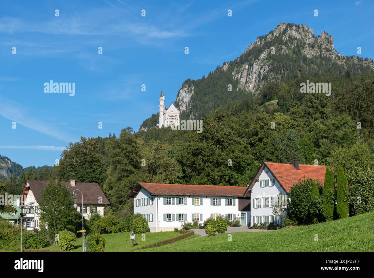 Neuschwanstein Castle (Schloss Neuschwanstein) from the village centre, Hohenschwangau, Germany - Stock Image