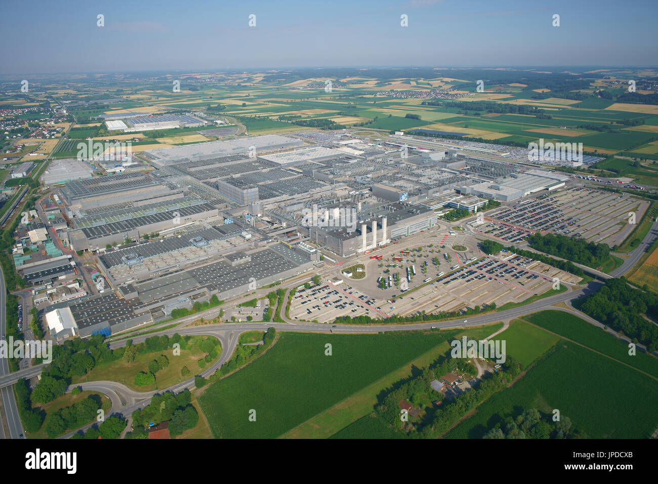 MEGA FACTORY WITH A YEARLY PRODUCTION OF 340,000 CARS (in 2015) (aerial view). BMW Group Plant Dingolfing, Bavaria, Germany. - Stock Image
