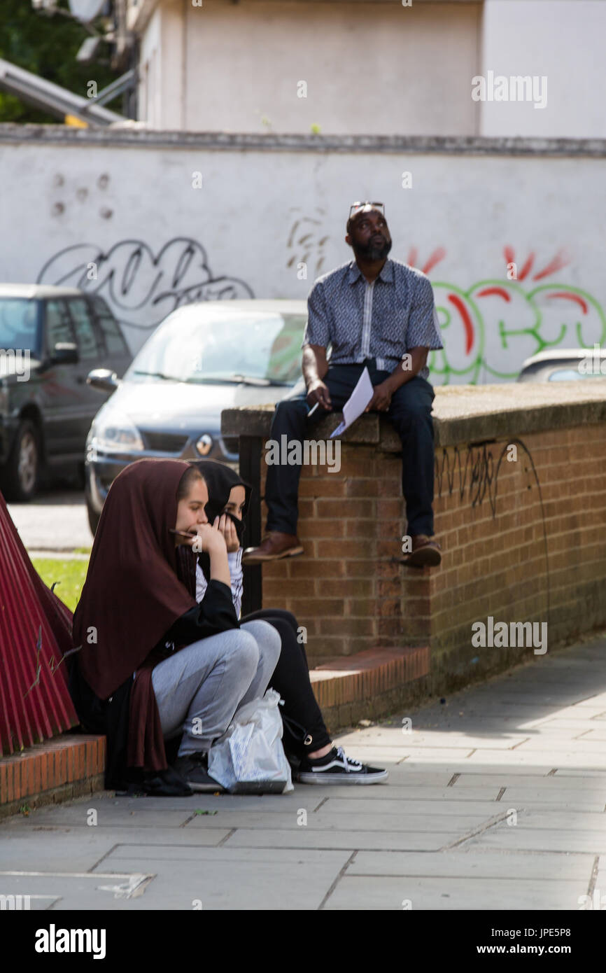 Community reflect on the devastation following the horrific fire at Grenfell Tower - Stock Image
