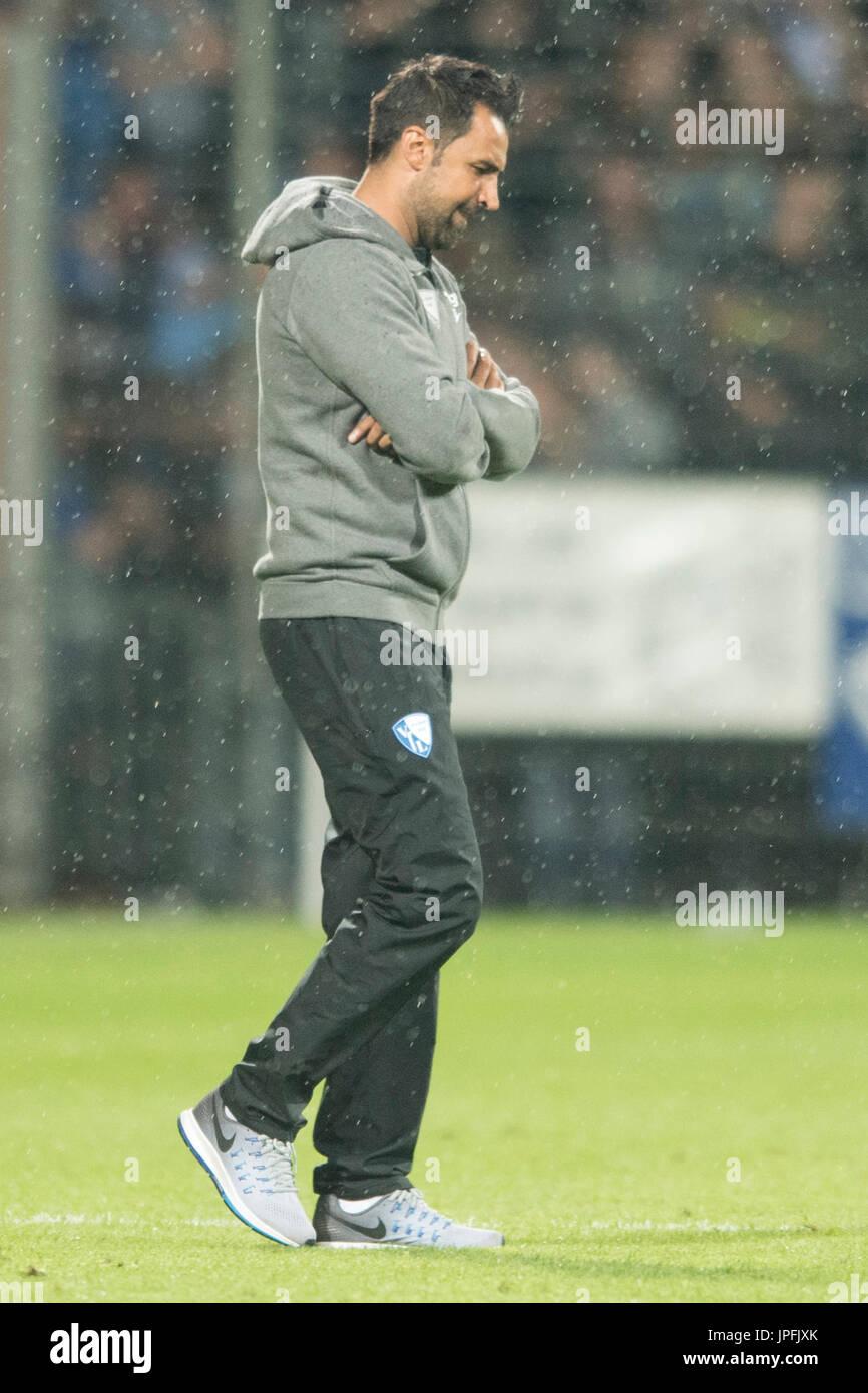 Bochum, Deutschland. 28th July, 2017. Ismail ATALAN (BO) blickt zu Boden, Fussball 2. Bundesliga, 1. Spieltag, VfL Stock Photo