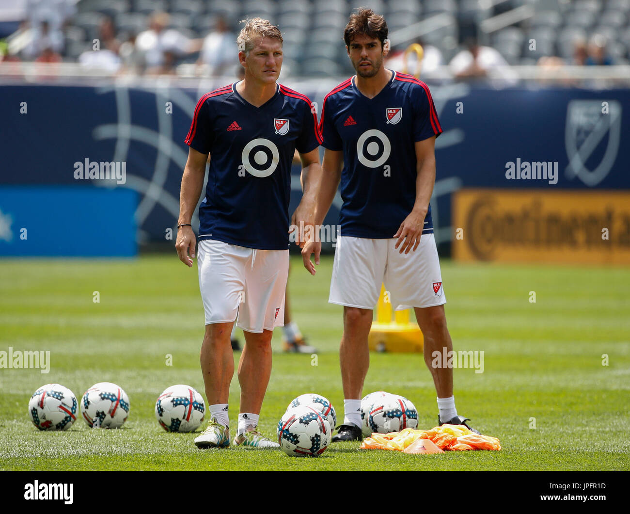 55c5dddc5e80 MLS All-Stars captain Bastian Schweinsteiger (L) and Kaka (R) partucipate  in a training session prior to the friendly match between Real Madrid and  the MLS ...
