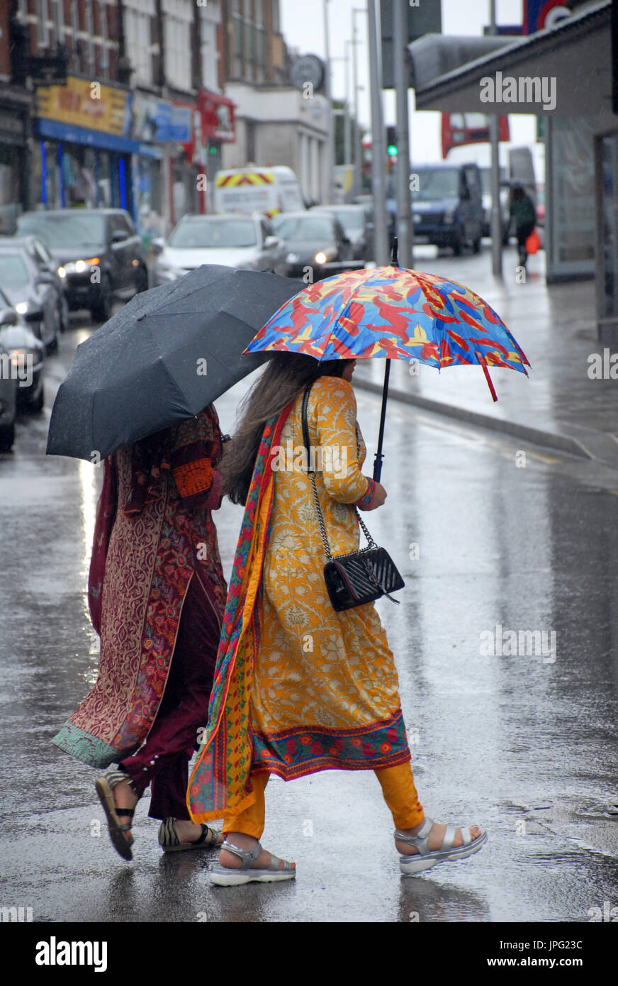 London, UK. 2nd Aug, 2017. Heavy rain in Battersea, London in the first week of school holidays Credit: JOHNNY ARMSTEAD/Alamy Stock Photo