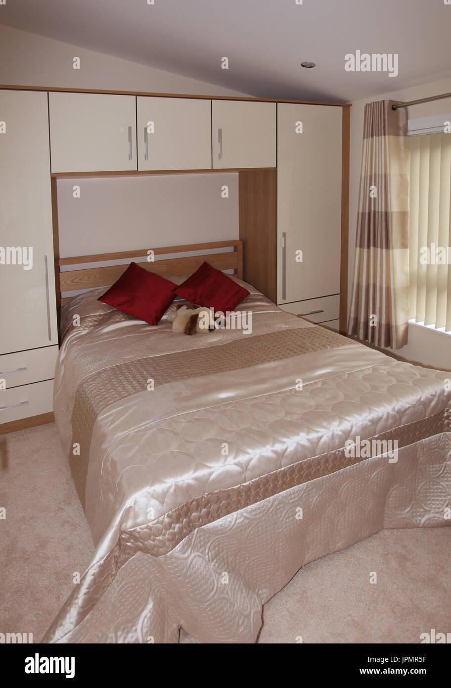 comfortable bedroom peaceful night's sleep - Stock Image