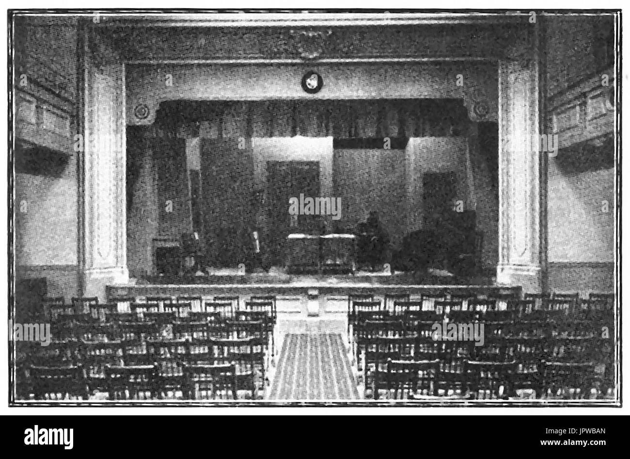 The stage at Jowett Hall, Bradford 1927  (Later Bradford Civic Theatre) - Stock Image