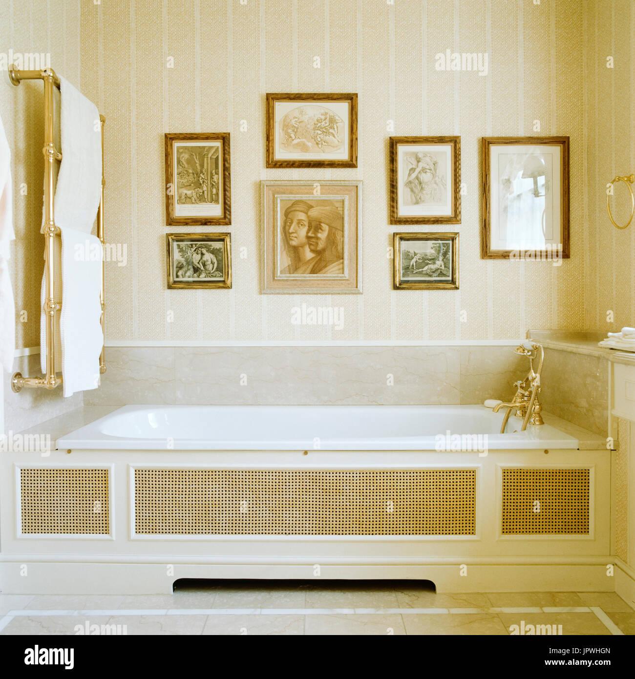 Classic style bathroom - Stock Image