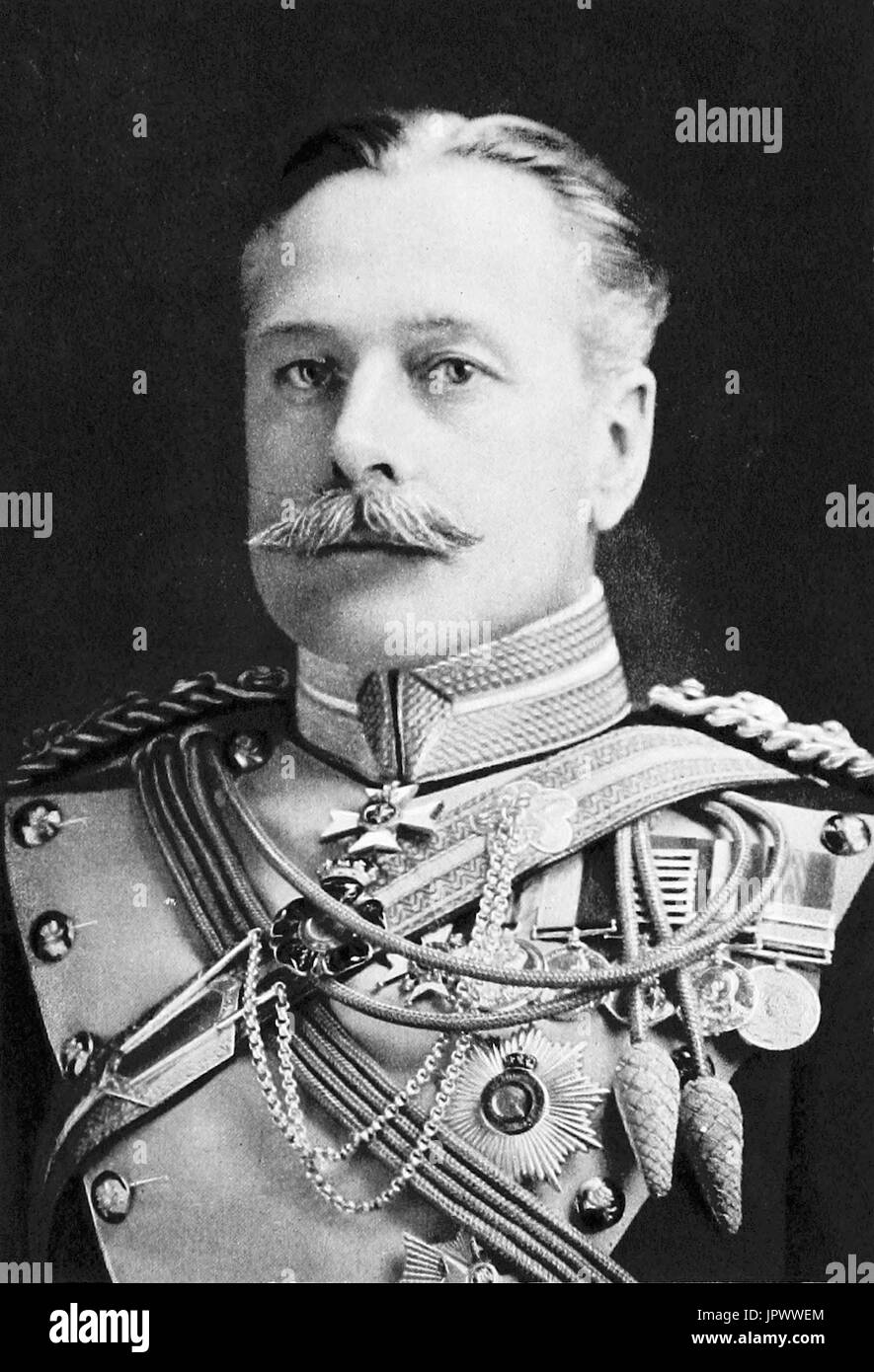 DOUGLAS HAIG, 1st Earl Haig (1861-1928) British Army commander in 1917. Photo: Elliot & Fry - Stock Image
