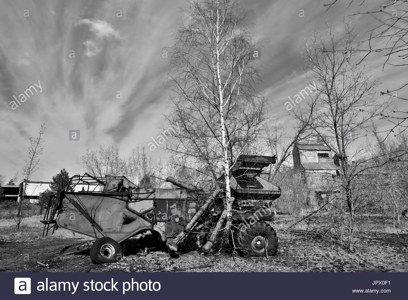 Abandoned combine harvester - Ukraine - Stock Image