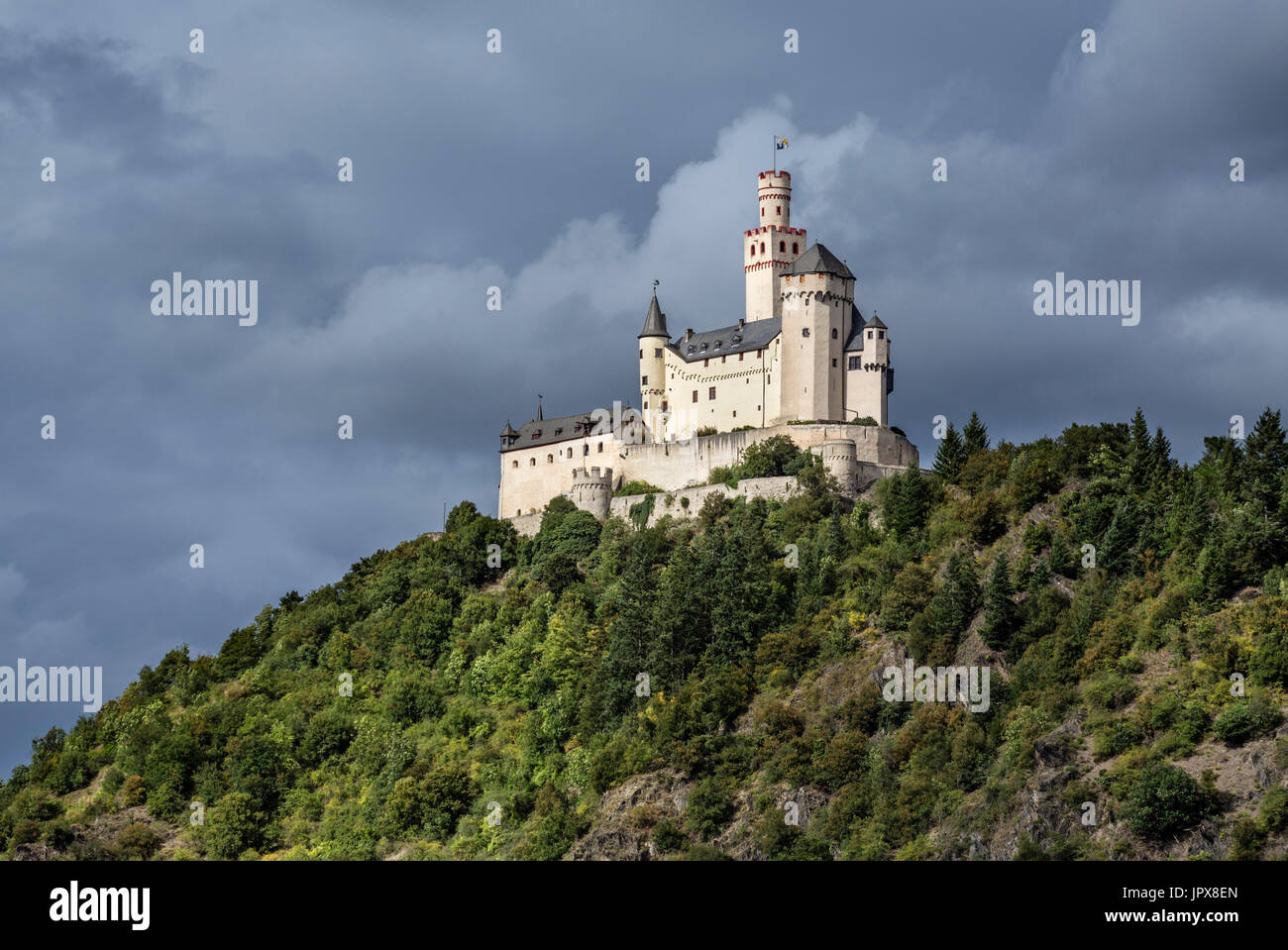 The Marksburg Castle on the River Rhine viewed from Braubach, Rhineland-Palatinate, Germany - Stock Image