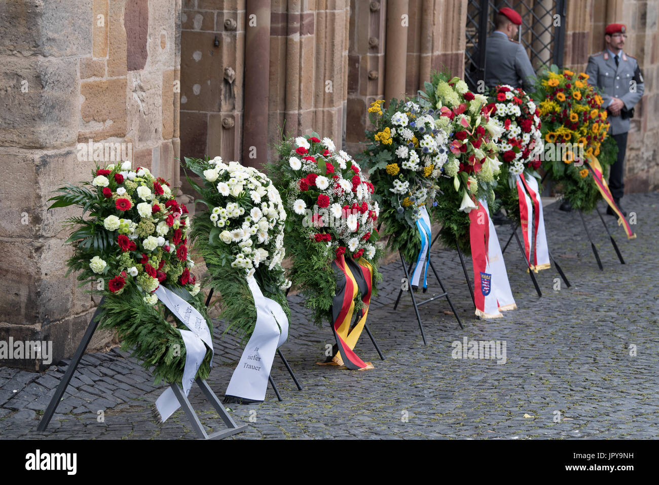 Funeral Wreaths Stock Photos Funeral Wreaths Stock Images Alamy