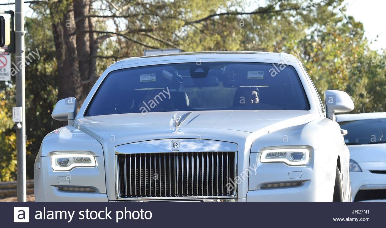 Kim Kardashian And Kourtney Kardashian Kourtney Kardashian Drives A