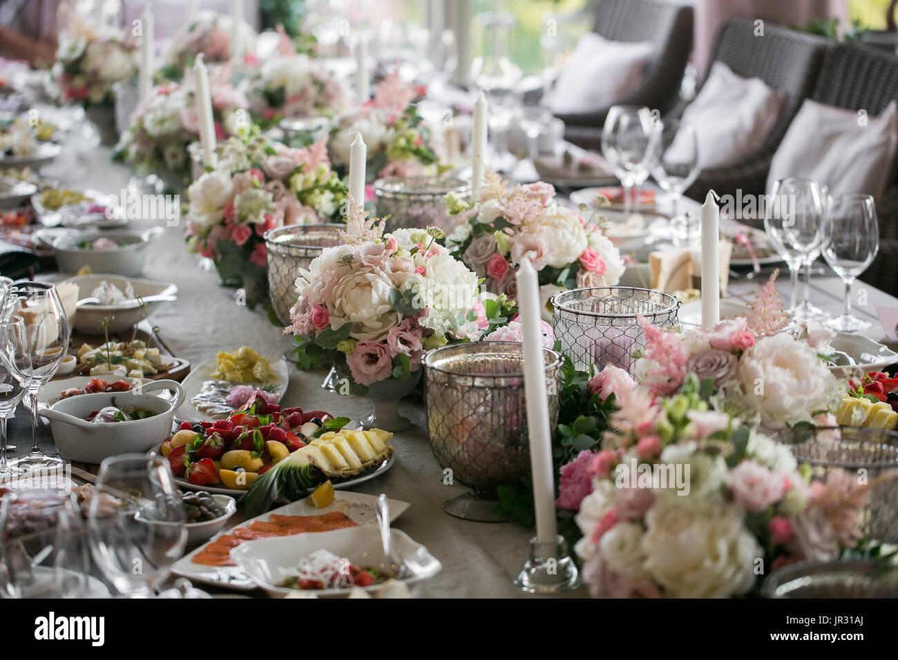 Luxury, elegant wedding reception table arrangement, floral Stock ...