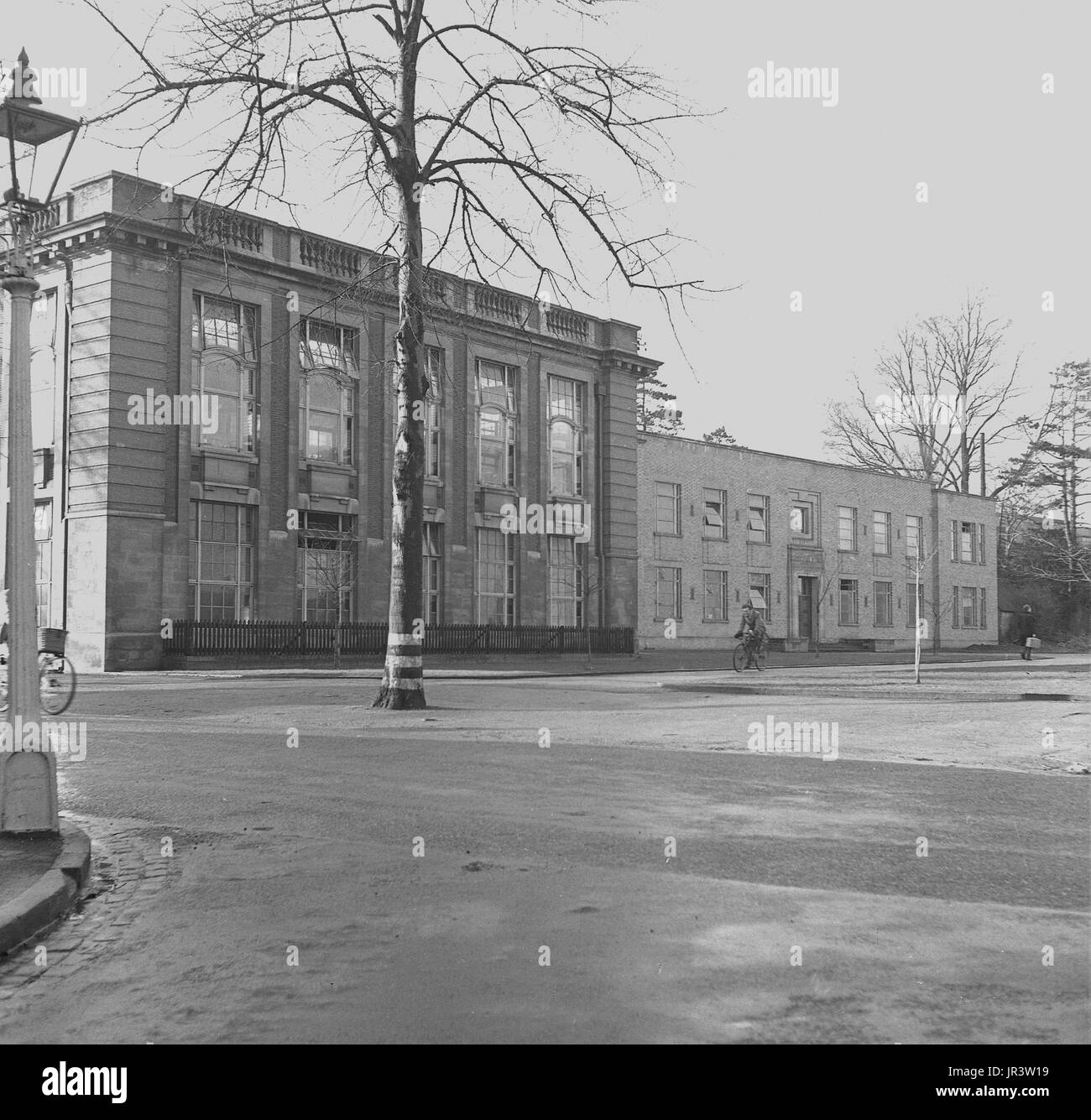 1948, historical, exterior view of the building in South Parks Rd, Oxford, housing the Dyson Perrins laboratory, which was the main centre for research into organic chemistry at the world famous Oxford University, Oxford, England, UK. - Stock Image