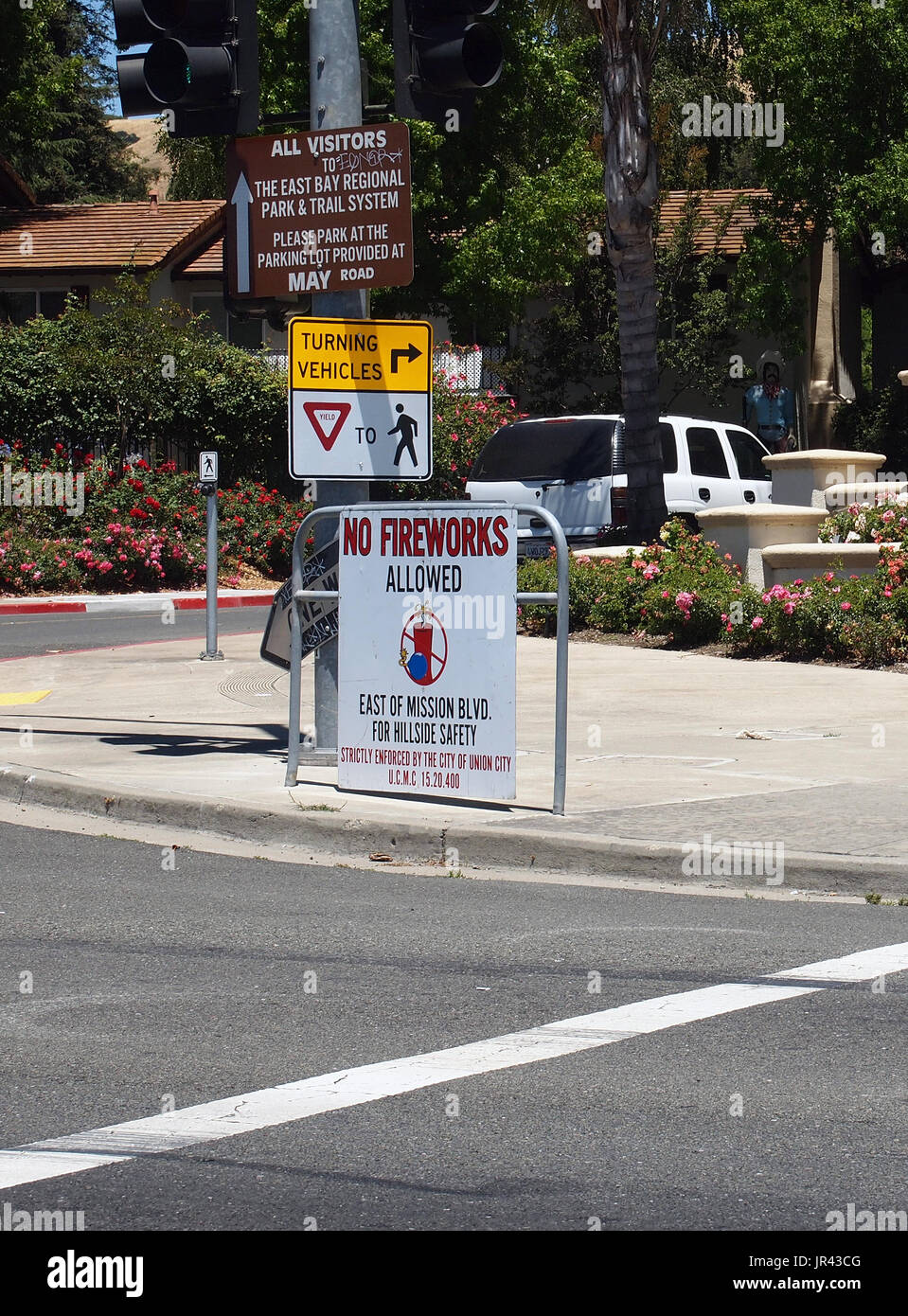 No Fireworks allowed east of Mission Blvd sign, Union City, California - Stock Image