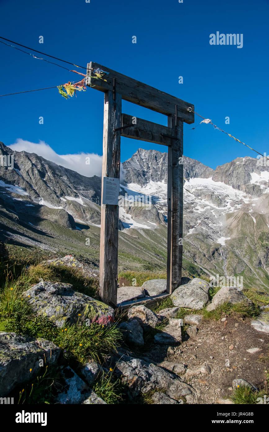 Trekking in the Zillertal seen here with the portal doorway near the Kasseler Hut mountain refuge Stock Photo