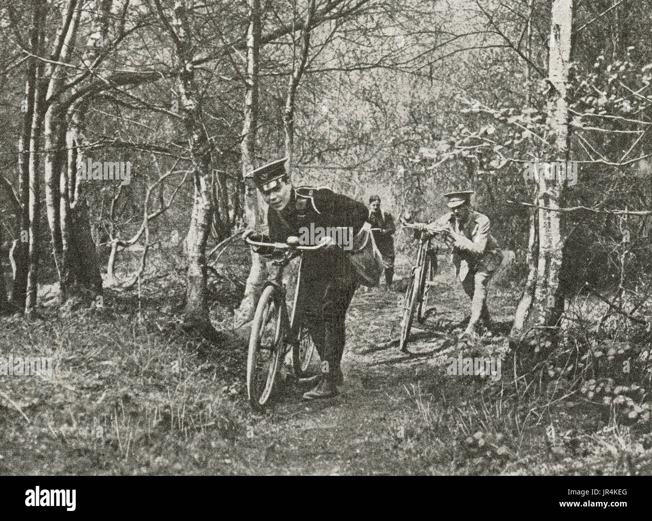 Cyclist volunteers on scouting duty, WW1 - Stock Image
