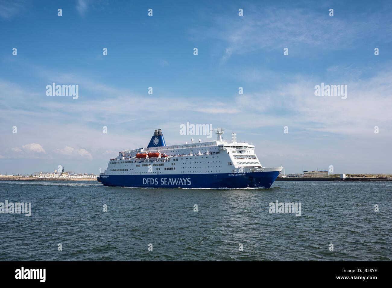 Ferry King Seaways on the Dutch North Sea coast, Ijmuiden, North Holland, Netherlands - Stock Image