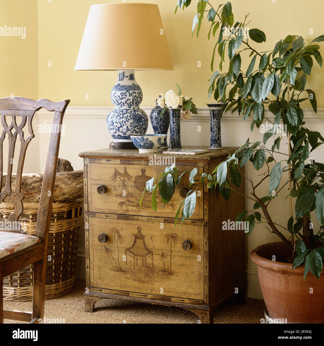 Oriental style drawers and display - Stock Image