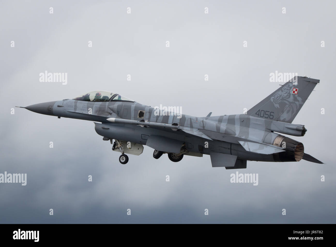 Fairford, Gloucestershire, UK - July 10th, 2016: Lockheed Martin General Dynamics F-16 Fighting Falcon Display - Stock Image