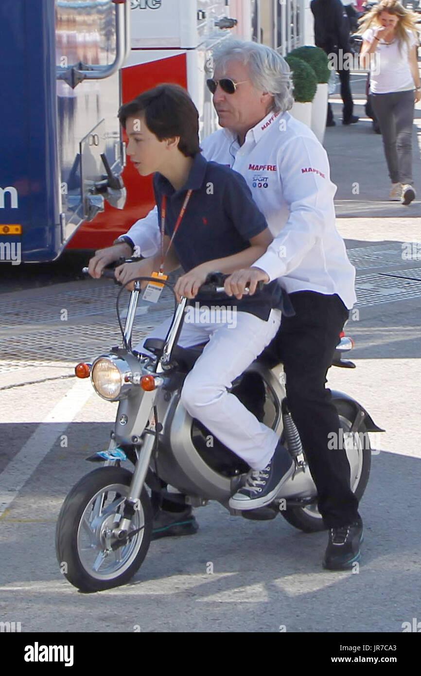 Angel Nieto Motorcycle Exhaust Dies Photo Archive EL EX PILOTO ANGEL NIETO DURANTE EL GRAN PREMIO DE ESPANA DE MOTOCICLISMO Stock Photo
