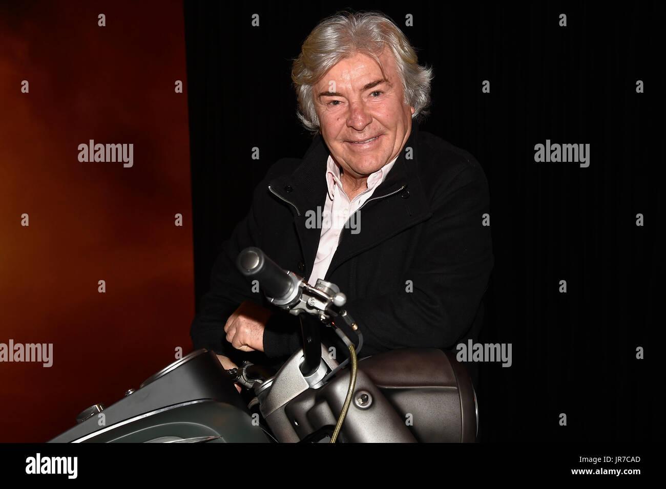 Angel Nieto Motorcycle Exhaust Dies Photo Archive El ex piloto vÅngel Nieto durante la presentaciv=n del acto 'la moto de Logan: tributo a Lobezno'  en Madrid  28/02/2017  Madrid - Stock Image