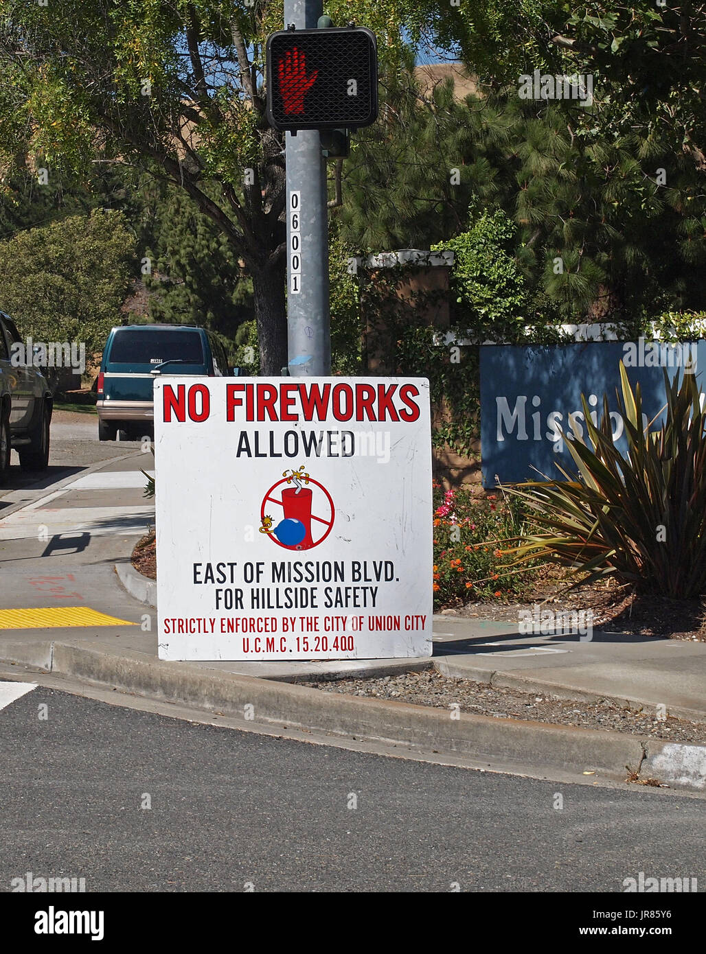 No Fireworks allowed east of Mission Blvd sign, Union City