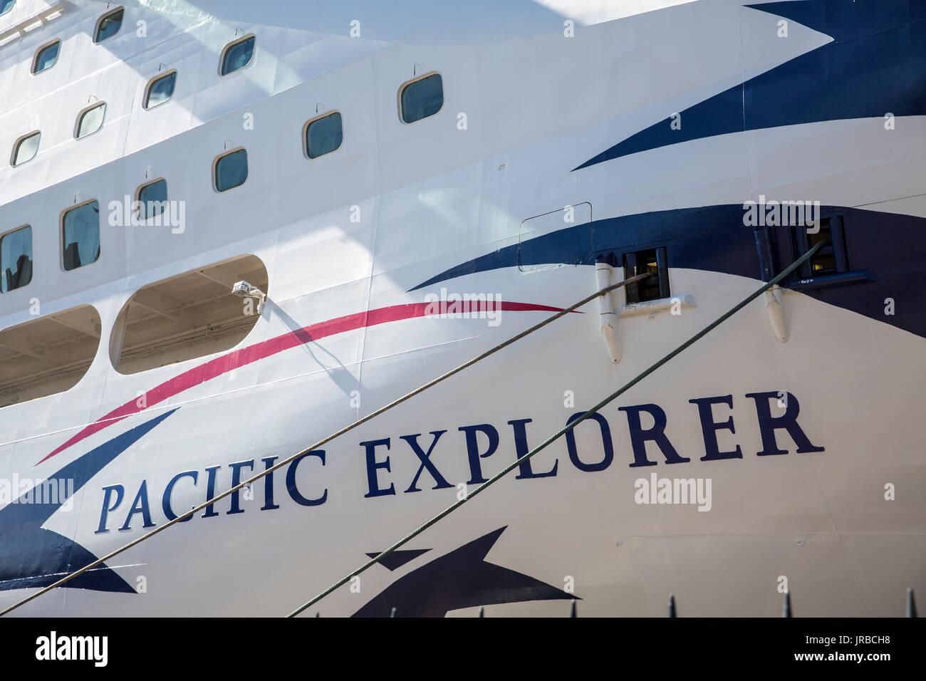 P Amp O Pacific Explorer Cruise Ship Liner At Overseas Passenger Terminal Stock Photo 152071396 Alamy