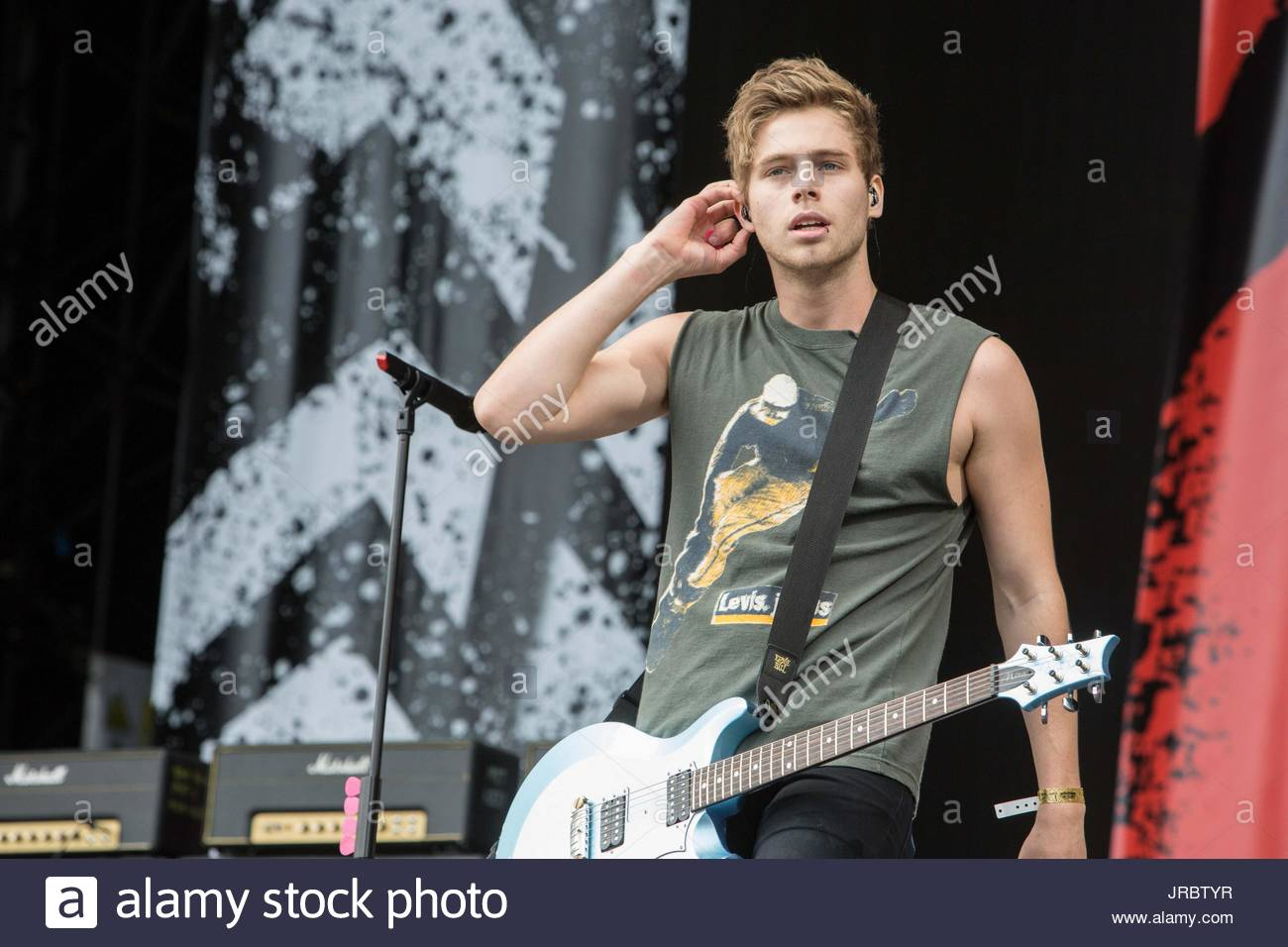 Luke hemmings 5sos 5 seconds of summer playing the mainstage on 5sos 5 seconds of summer playing the mainstage on day one of the bbc radio 1 big weekend 2015 in norwich m4hsunfo
