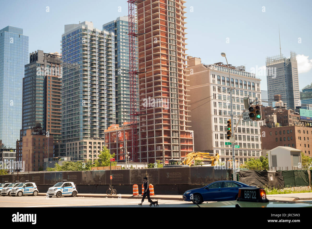 Construction in and around the Hudson Yards development in New York on Sunday, July 30, 2017.  (© Richard B. Levine) Stock Photo