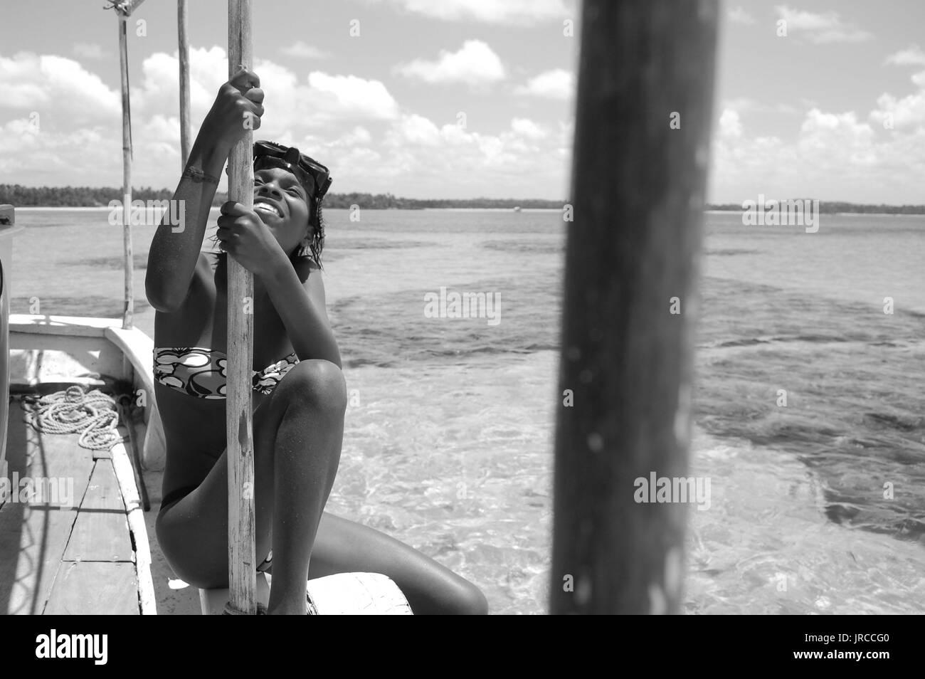 BRA, Brasilien, Bahia, Boipeba, 23.09.2009, Ausflugsboot mit Schnorchlerin in den Piscinas Naturais vor der Insel Boipeba.  [(c) (FREELENS Pool) Ralf  - Stock Image