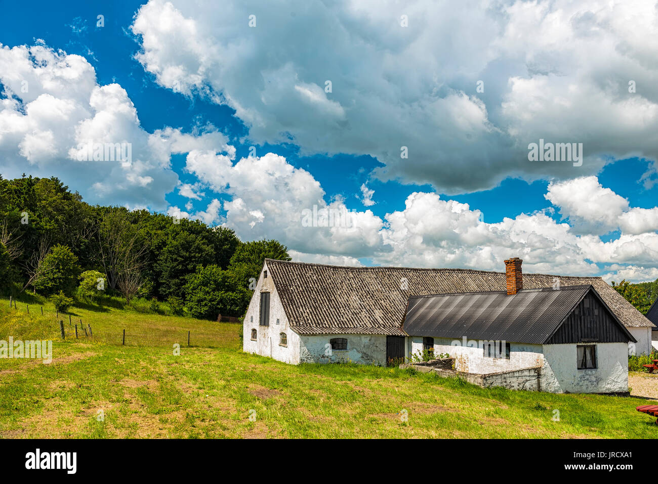 A swedish farm house in the countryside near to Ales stenar. - Stock Image