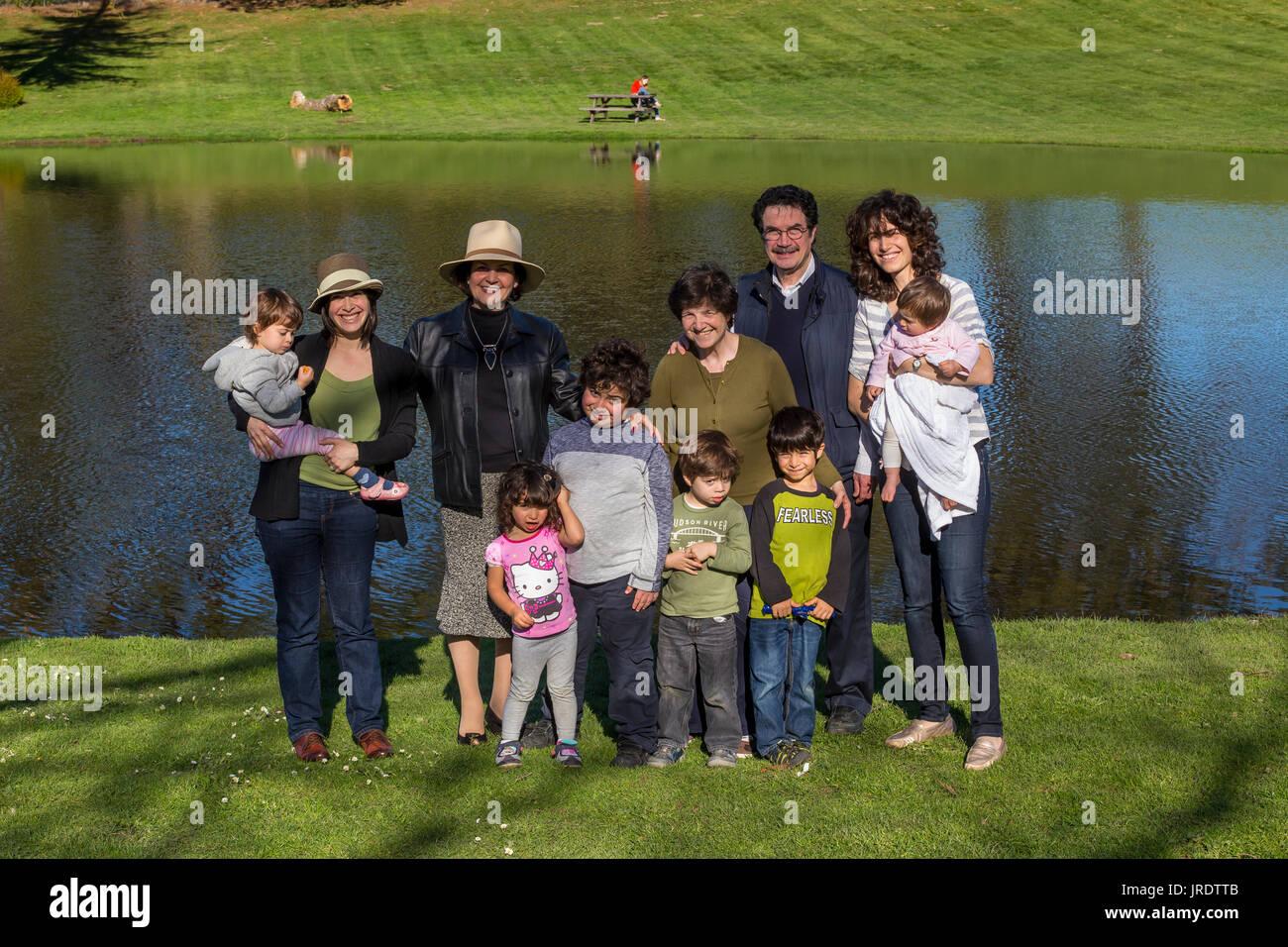 family outing, family, extended family, family portrait, Marin French Cheese Company, Hicks Valley Ranch, Novato, Marin County, California - Stock Image