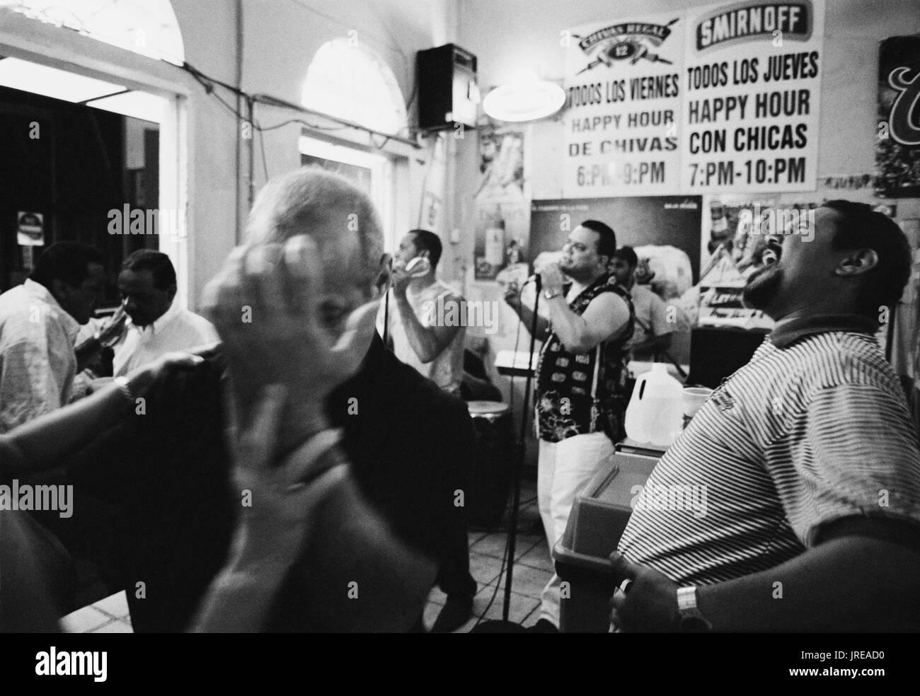 The salsa band 'Son de Ayer' rocks  the house at Santurce's Los Taberna bar. Santurce is a neighborhood East  of colonial San Juan.  It's marketplace  - Stock Image
