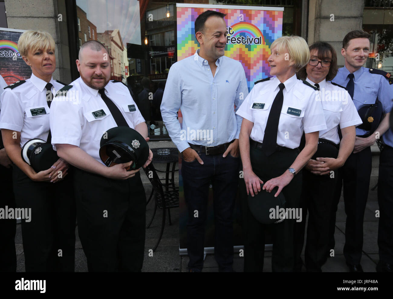 Belfast, Northern Ireland. 5th August 2017. Taoiseach Leo Varadkar (centre) poses with members of the Police Service Stock Photo