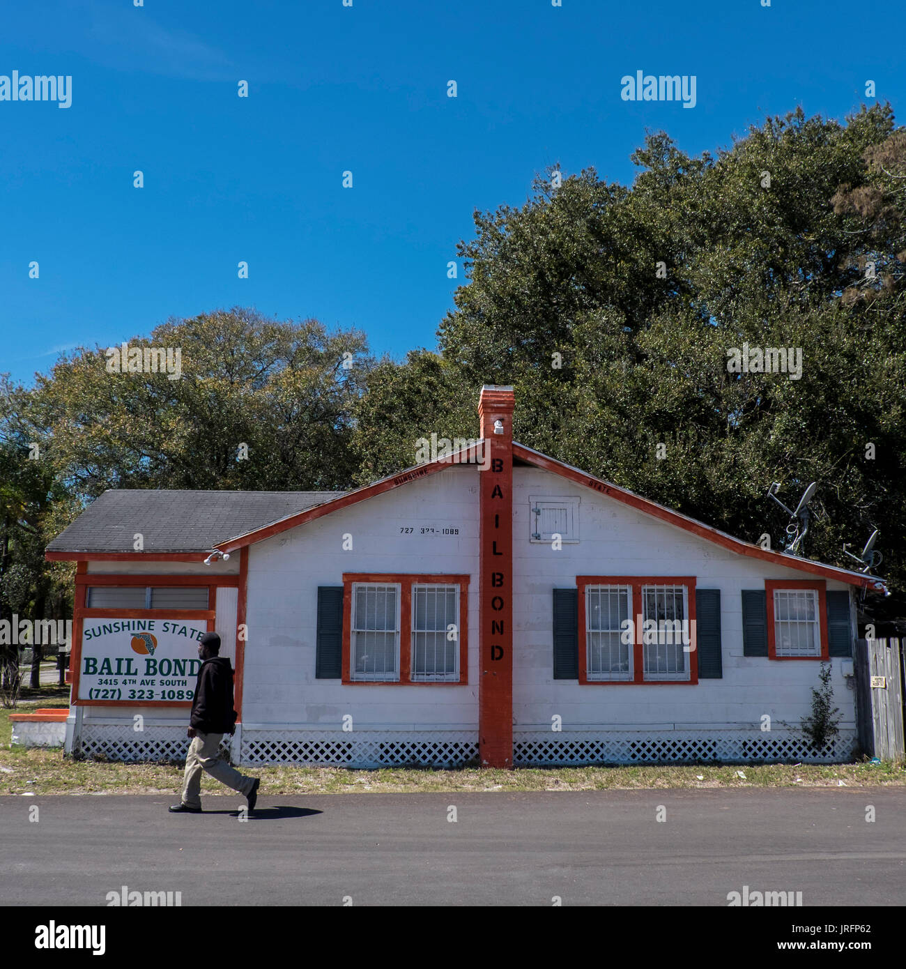 Bail bondsman's office in a shack by a highway in Florida, USA - Stock Image