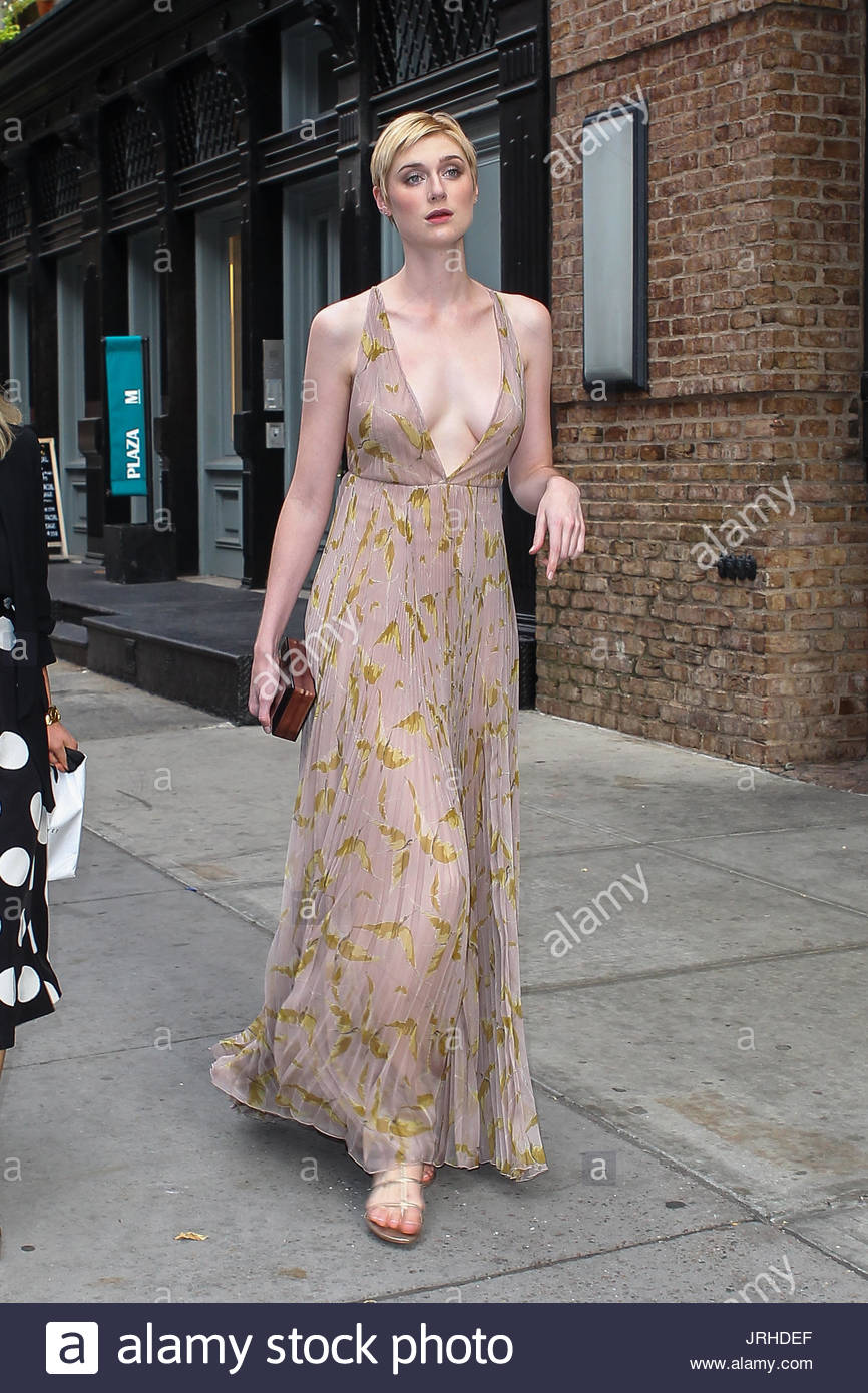 Elizabeth Debicki Is Seen Before The Premiere Of The Man