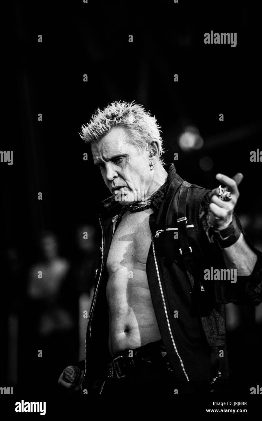 Billy Idol Performing At A Music Festival In British Columbia