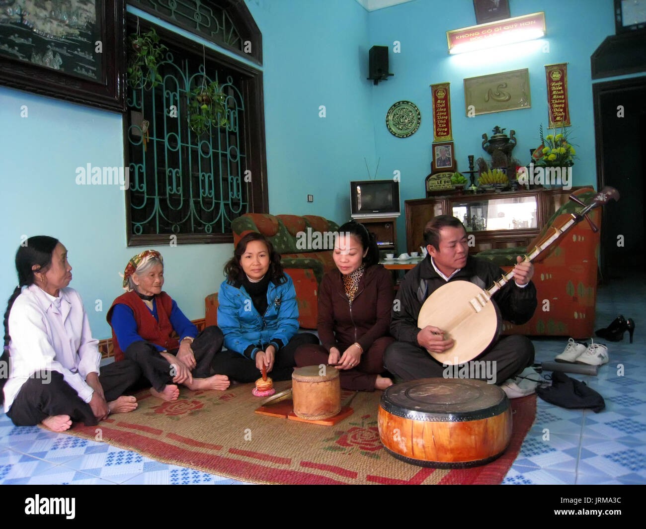DUONG, VIETNAM, September, 26: farmers sing folk songs at home on