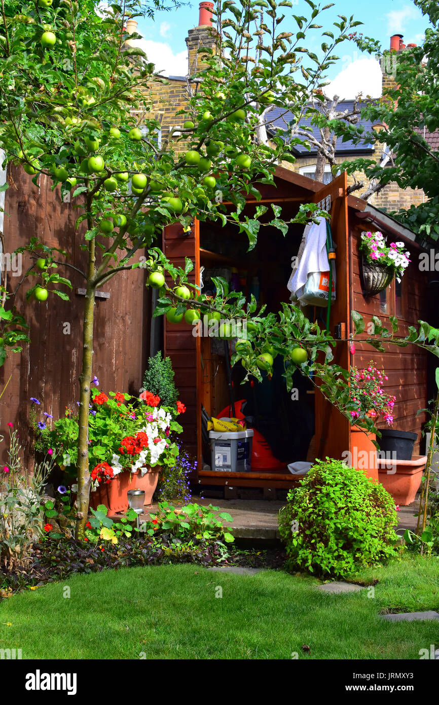 Pretty Shed Stock Photos Amp Pretty Shed Stock Images Alamy
