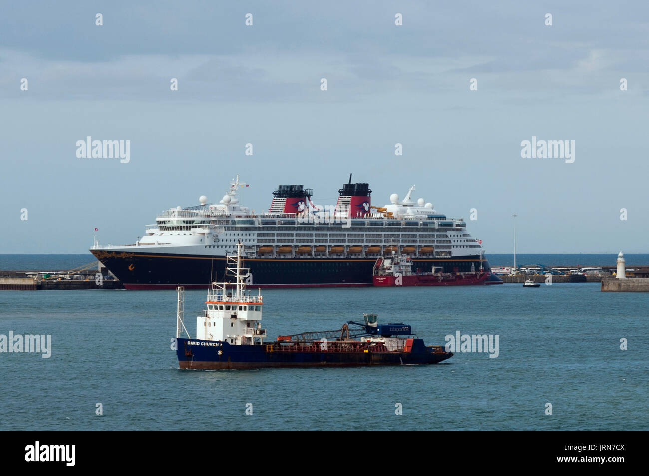 DISNEY MAGIC CRUISER LINER - 294 M LONG IN DOVER PORT © Frédéric BEAUMONT - Stock Image