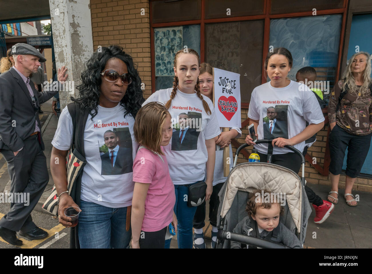 London, UK. 4th Aug, 2017. London, UK. 4th August 2017. The mother and relatives of Jermaine Baker, shot by police in 2015, at the start of the march from Broadwater Farm to a rally at Tottenham Police Station remembering the death of Mark Duggan on the sixth anniversary of his killing by police, and also the police killing of other members of the Tottenham community - Cynthia Jarrett, Joy Gardner, Roger Sylvester, Mark Duggan and Jermaine Baker and the recent murders of Rashan Charles, Darren Cumberbatch and Edson Da Costa. Led by Stafford Scott, there was poetry, a minute of silence and s - Stock Image