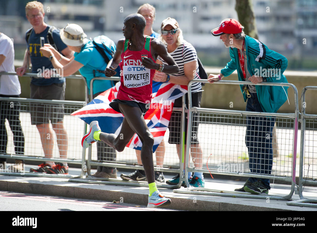 London, UK. 6th August, 2017. Gideon Kipketer (Kenya) checking behind him for other runners at the IAAF World Athletics Championships Men's Marathon Race Credit: Phil Swallow Photography/Alamy Live News - Stock Image
