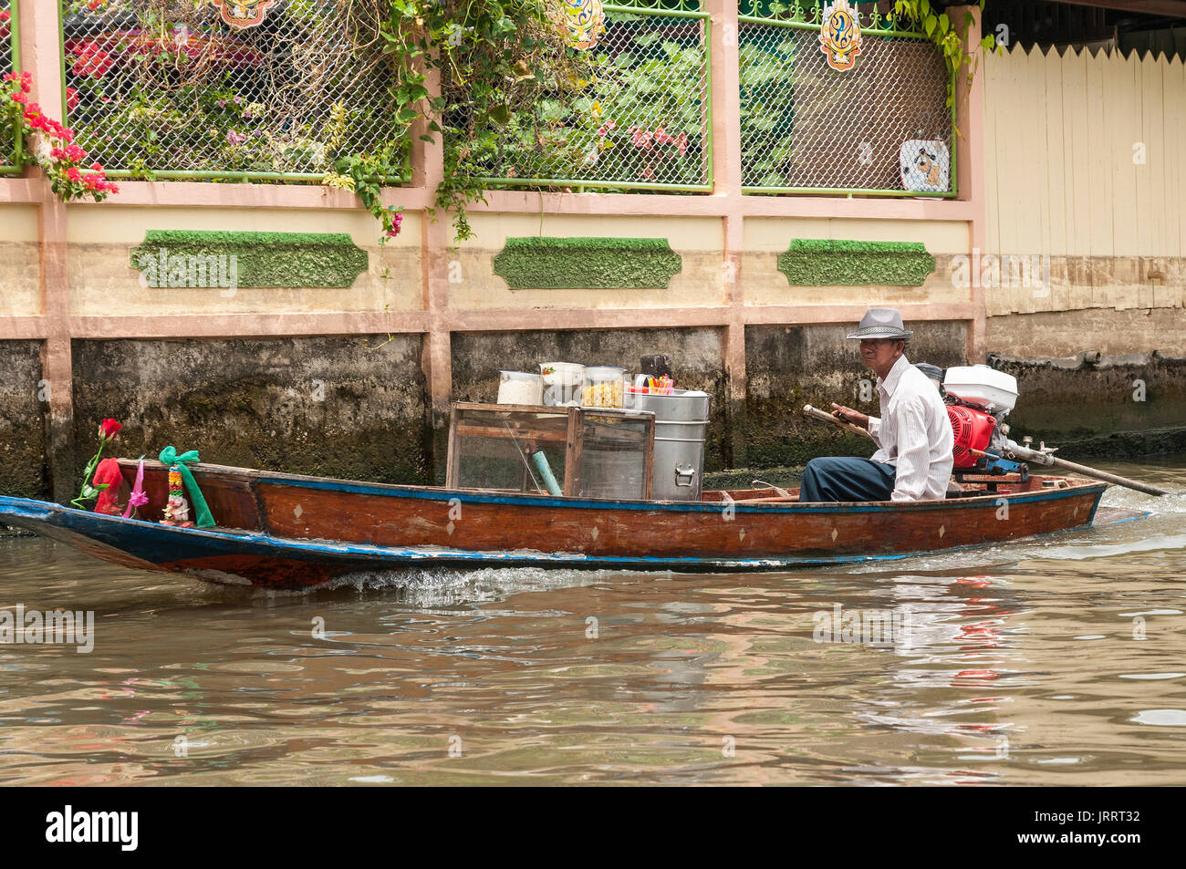 Waterborne food vendor on the Khlongs in Thonburi, Bangkok, Thailand - Stock Image