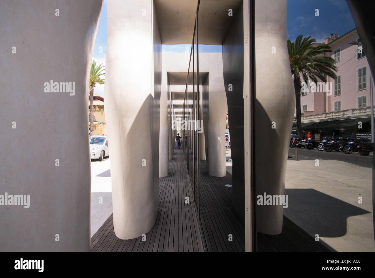 Jean Cocteau Museum, Menton, French Riviera: architect Rudy Ricciotti exterior colonnade mirror1 Inexhibit - Stock Image