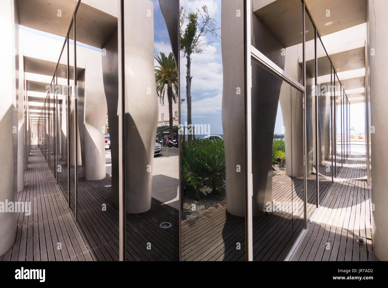 Jean Cocteau Museum, Menton, French Riviera: architect Rudy Ricciotti exterior 1 colonnade mirror Inexhibit - Stock Image
