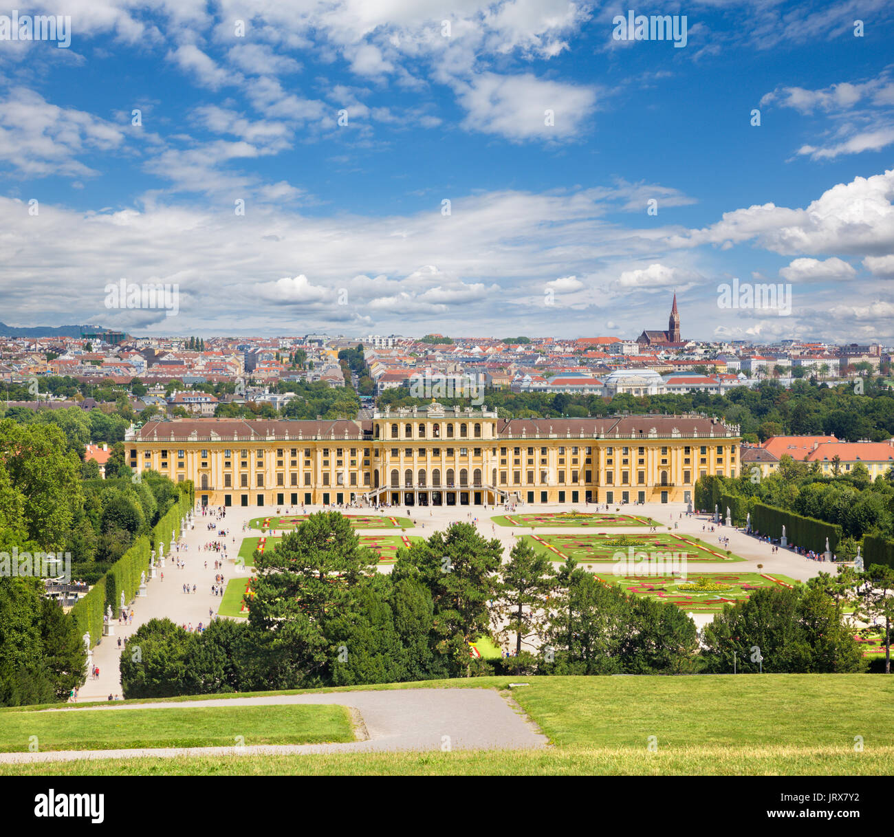 Vienna - The Schonbrunn palace and the gardens and park. - Stock Image