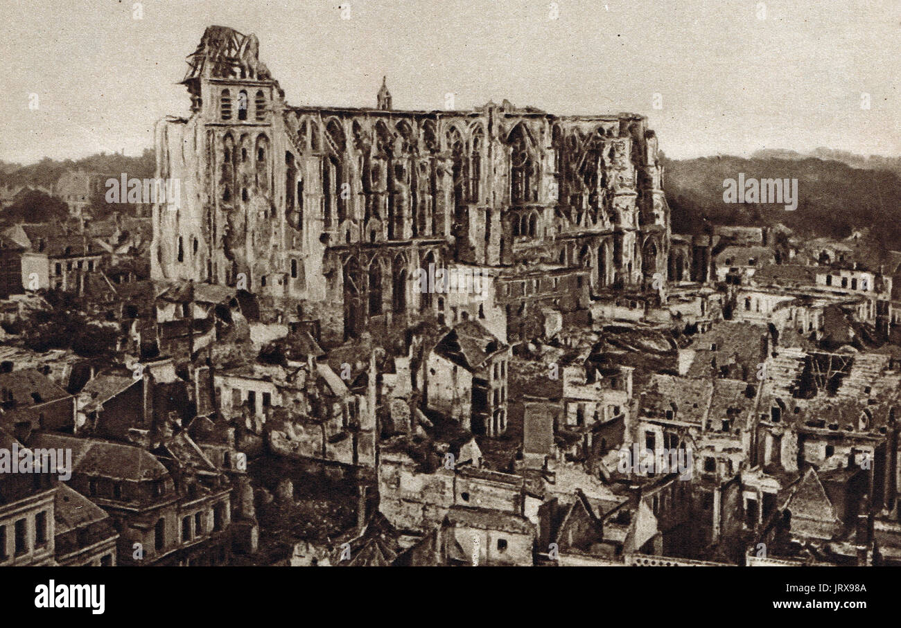 St Quentin Gothic cathedral ruins, 1918 - Stock Image