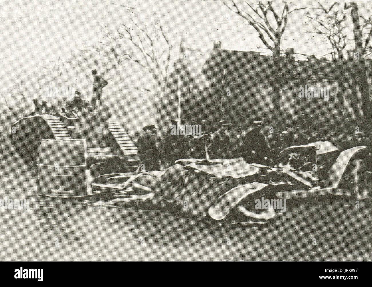 Tank V Car, victory loan demo, Toronto 1917 - Stock Image