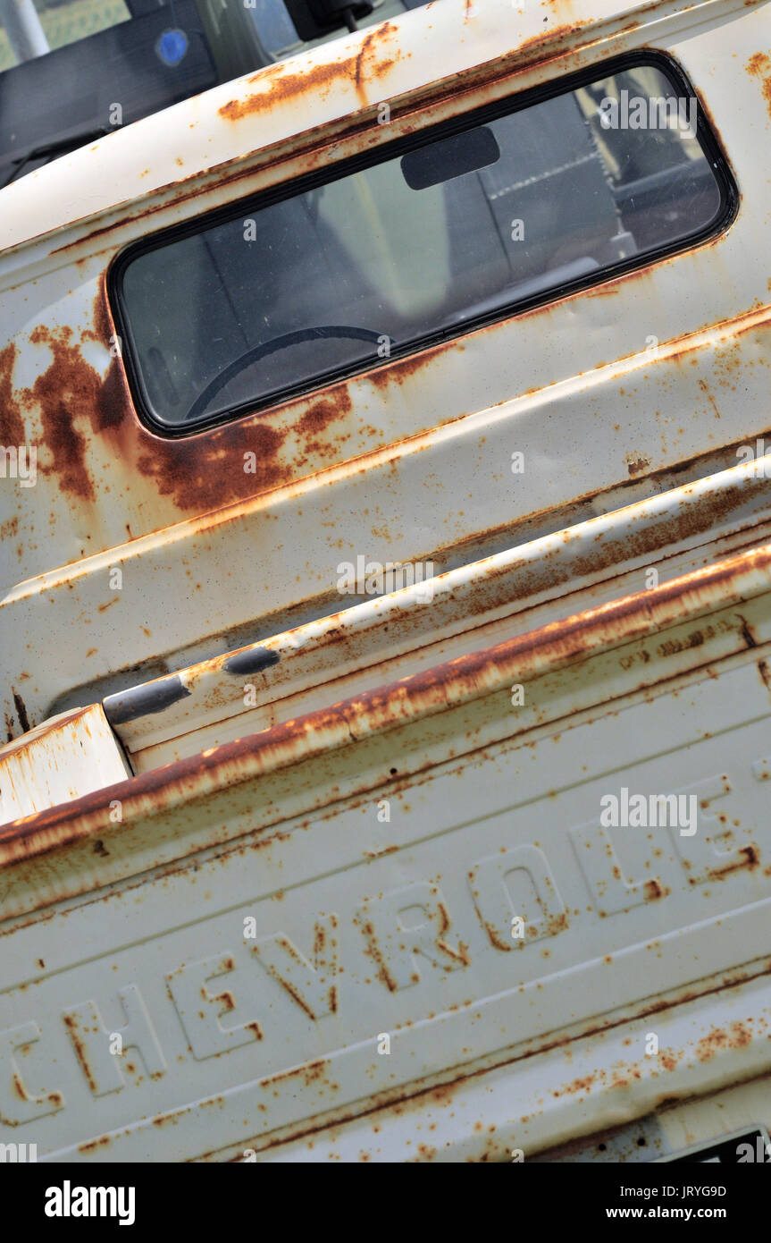 restoring a truck with rust