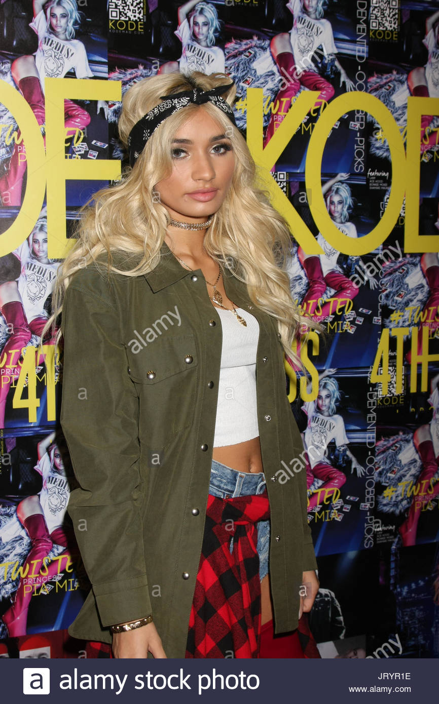 Cleavage Pia Mia Perez naked (59 foto and video), Topless, Fappening, Feet, legs 2019