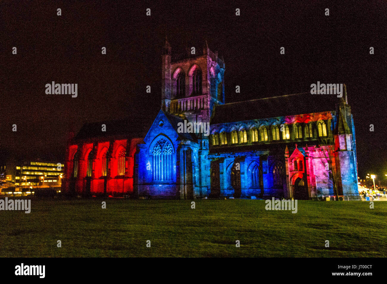 Paisley Abbey Is Lit up to commemorate the start of the Monte Carlo Classic Rally - Stock Image